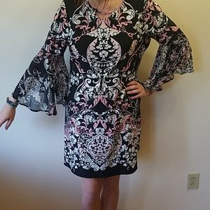 Gorgeous new directions bell sleeve dress